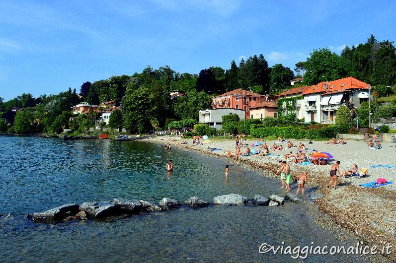 Un caldo pomeriggio di relax sulla spiaggia di reno di for Lago con spiaggia vicino a milano